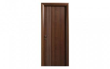 דלת פנים למינטו אגוז בשילוב פסי ניקל